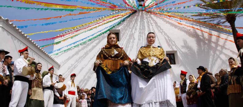 1998, Neix la Federació de colles de ball i cultura popular d'Eivissa i Formentera